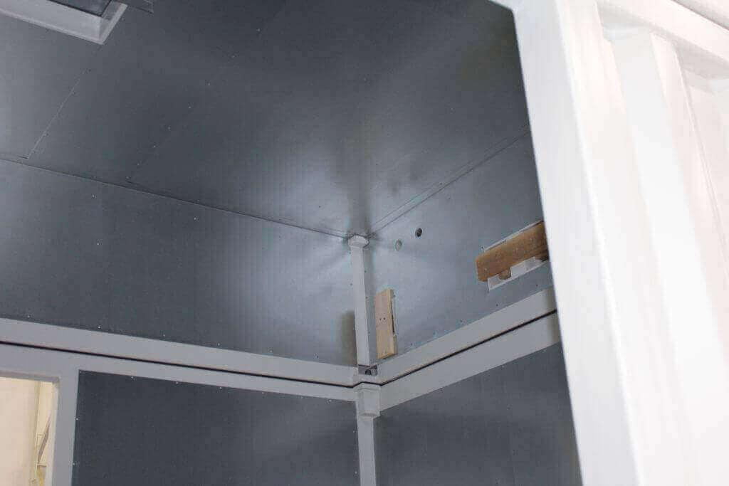 Abnehmbare Dachhaube mit eingefassten Öffnungen